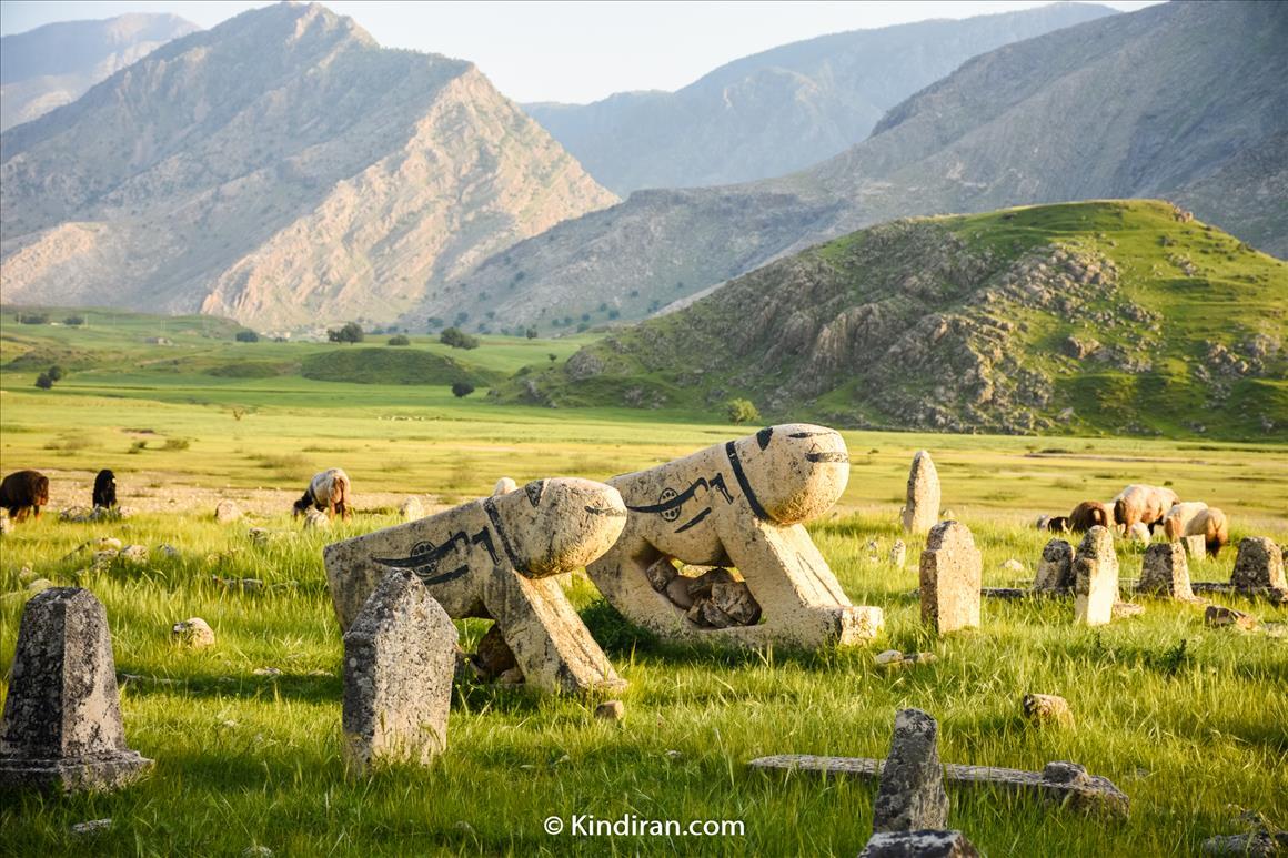 قبرستان شیرهای سنگی