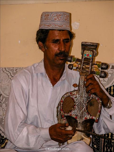 The professional ghaychak player in Iranshahr