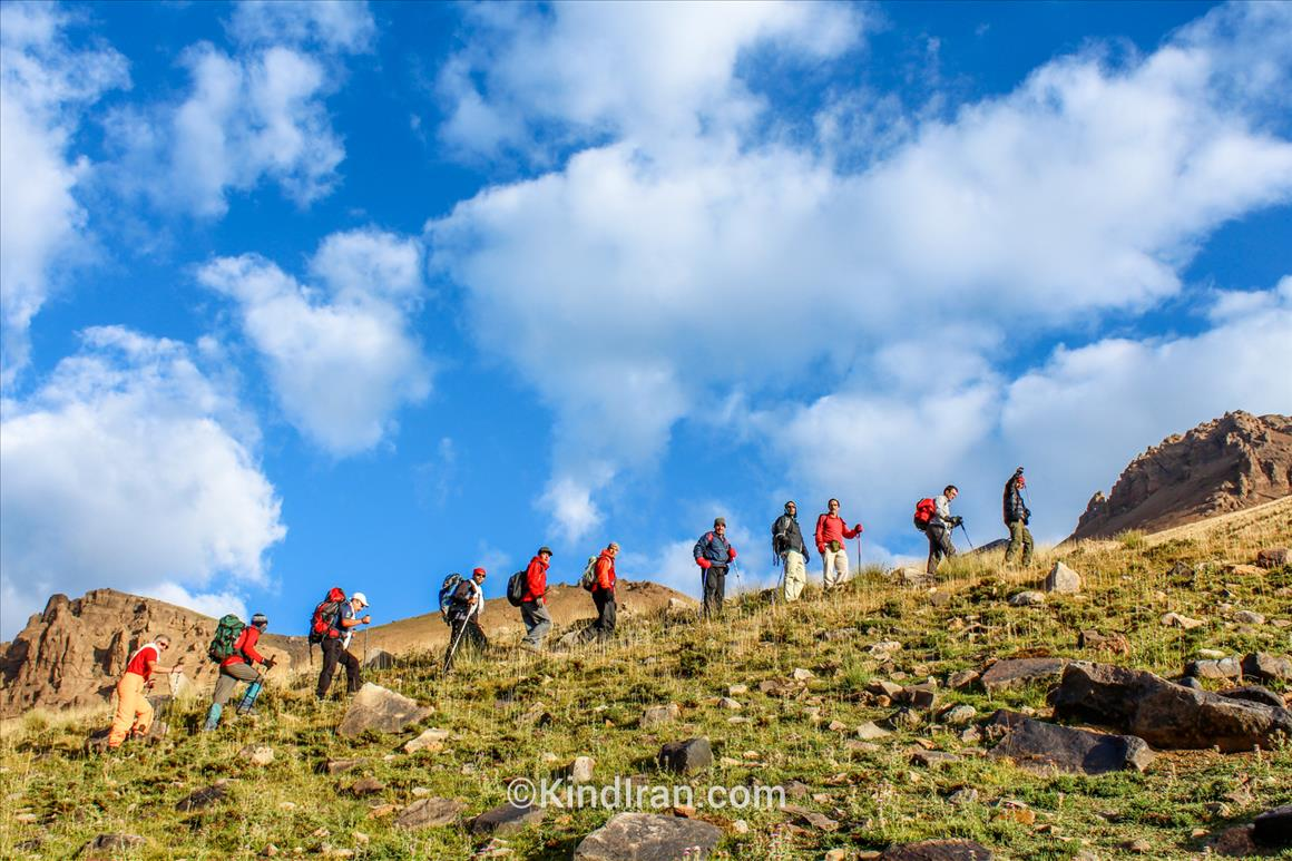 قله علم کوه، آلپ ایران
