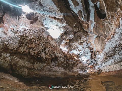 اولین غار آهکی جهان