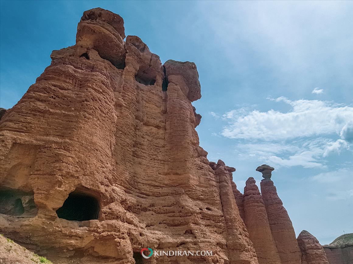 اتاقهای بزرگ قلعه بهستان
