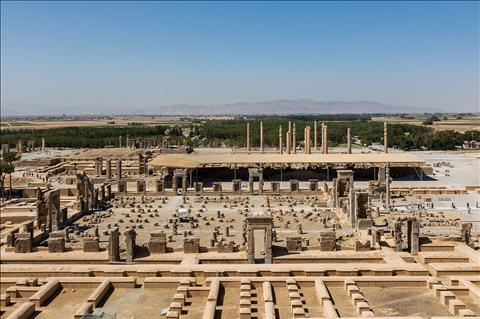 دید هوایی از آثار ویران شده در پرسپولیس