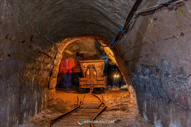 ابعاد تونلهای معدن فیروزه